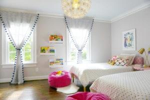 Záclony v dětském pokoji - ilustrační obrázek, zdroj
