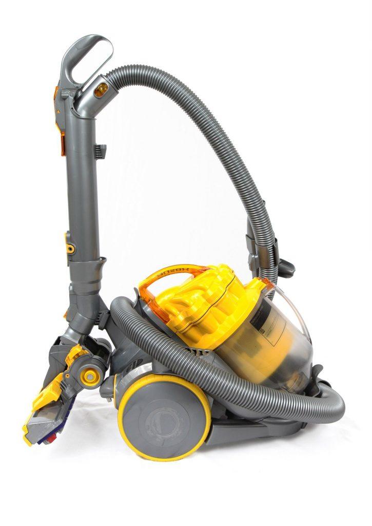 vacuum-cleaner hoover vysavač vysávat vysávání luxovat lux